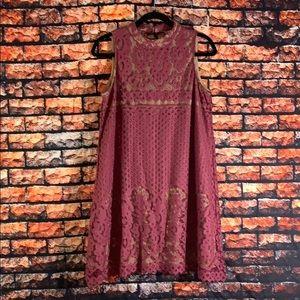 LOVE  FIRE  LACE SHIFT DRESS